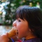 Maëlys et sa glace...encore !