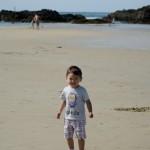 Chenti les pieds dans le sable