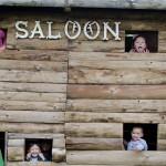 La saloon pris d'assault !
