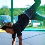 Brice break sur le trampoline (tricheur)