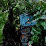 Petite maquettes dans des pots de plantes...