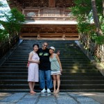 Devant l'entrée du temple Kenchō-ji