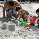 Chateau de sable en famille !